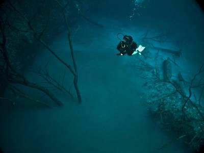 Hydrogen Sulfide Cloud, Cave Diving